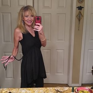🥰🛍️ new with tags h&M black dress